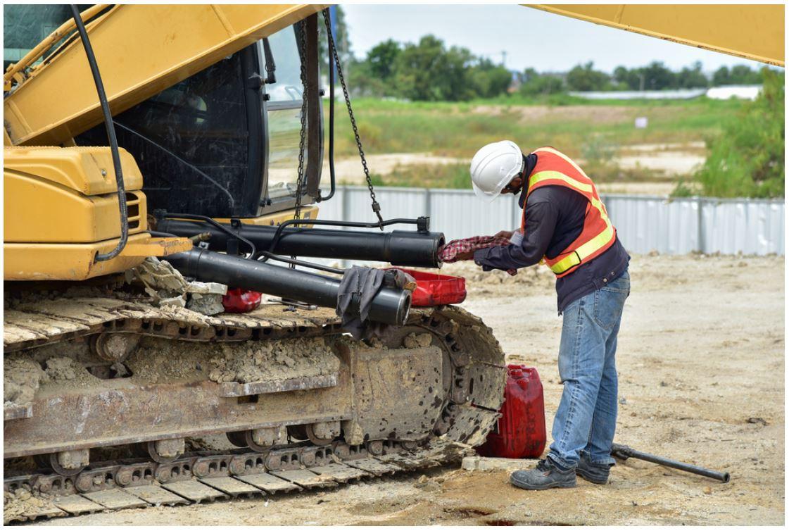 Excavator refurbishment