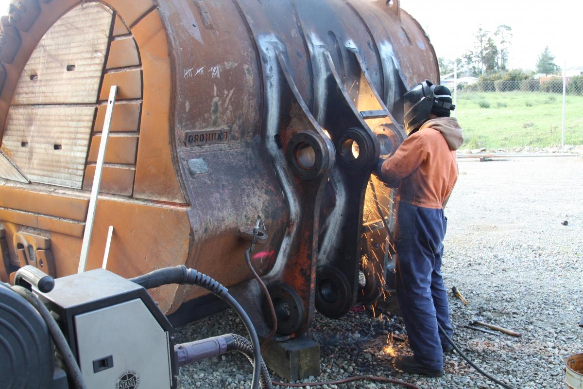 Excavator bucket refurbishment